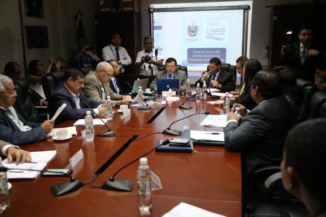 Ministerio de seguridad piensa que contenido de la tv for Pagina de ministerio de seguridad